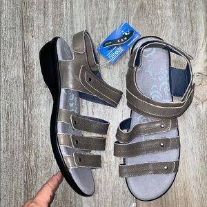 NWT Propet Ortholite Leather Velcro Sandals